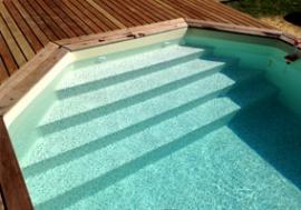 Escalier sur toute la largeur - Exclusivité échelles et escalier piscine - Arizona Pool