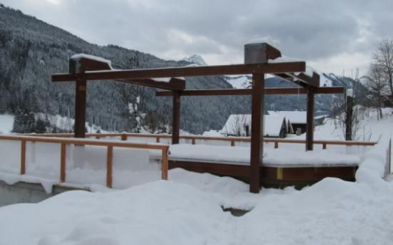 Comment hiverner votre piscine en bois ?