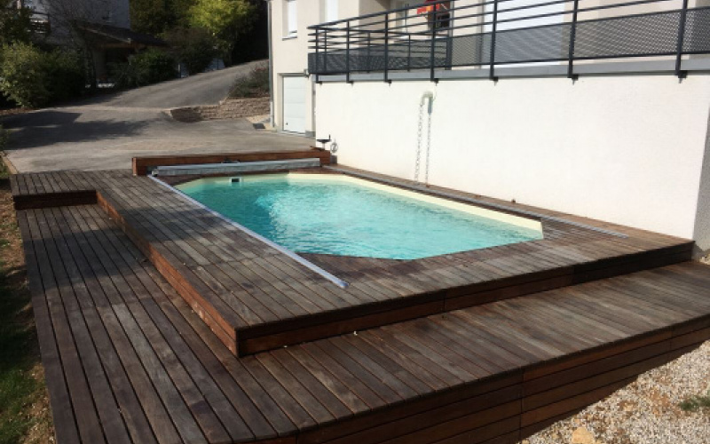 Une mini piscine bois pour votre jardin