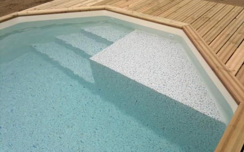 Les escaliers pour piscine bois