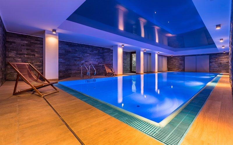 Tout savoir sur les piscines d'intérieur : construction, entretien, avantages...